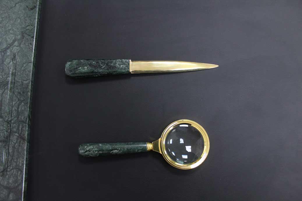Лупа из мрамора и бронзы «Острый глаз»_dopphoto