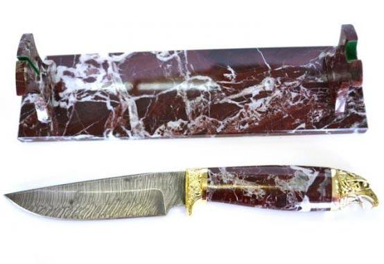 Подарочный нож из дамасской стали, яшмы и бронзы ручной работы «Ястреб». Подставка из яшмы_dopphoto