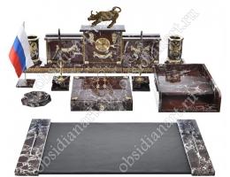 Офисный набор руководителя «Бычок» из яшмы с бронзовой статуэткой быка