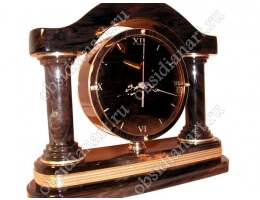 «Всемирные часы» с деталями из латуни