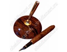 Чернильная (перьевая) ручка на подставке из полудрагоценного камня обсидиан