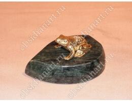 Статуэтка «Лягушонок на подставке»