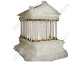 Макет языческого храма Гарни из оникса и мрамора