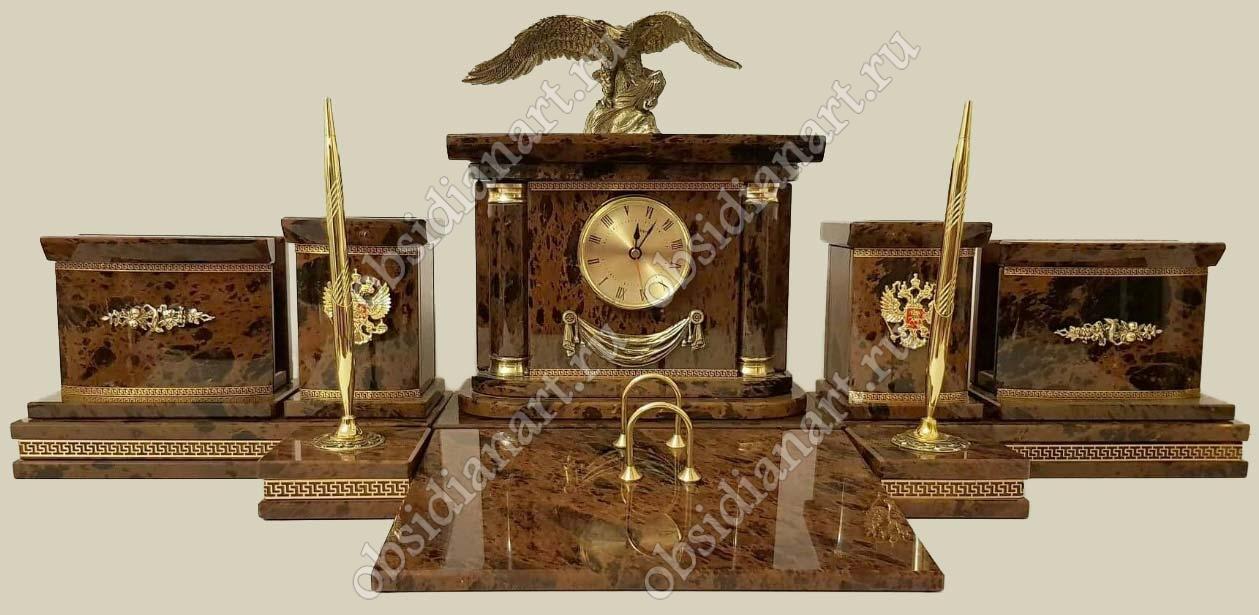 Яркий письменный набор «Фока» из обсидиана с бронзовой фигуркой орла