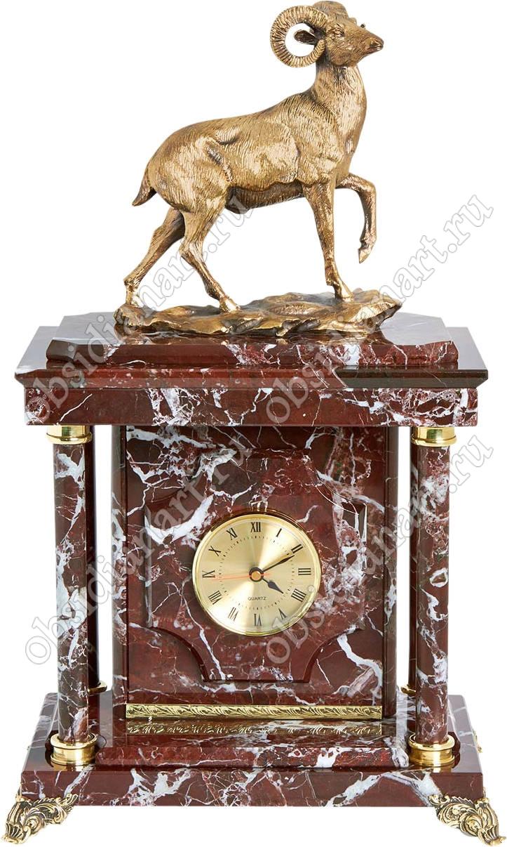 Малые часы-сейф «Горный козел» из яшмы с бронзовой фигуркой горного козла