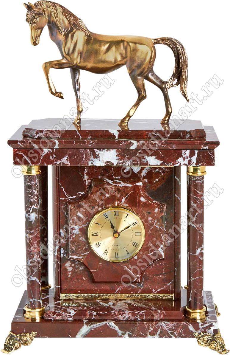 Каминные часы с сейфом «Конь без пальто» из яшмы с бронзовой фигуркой коня