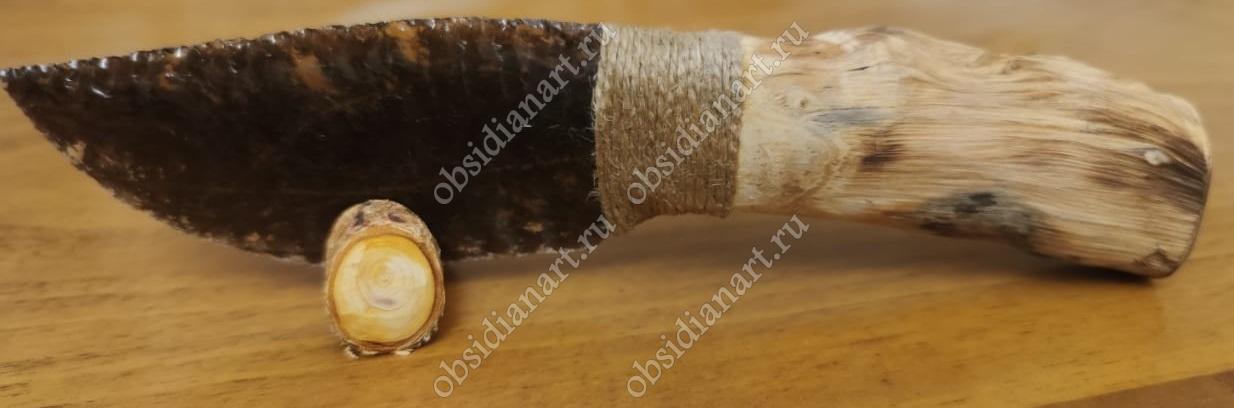 Нож из обсидиана (вулканического стекла)