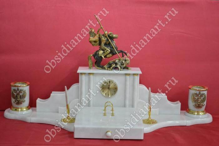 Настольный набор из белого мрамора «Змееборец» с фигуркой Св. Георгия