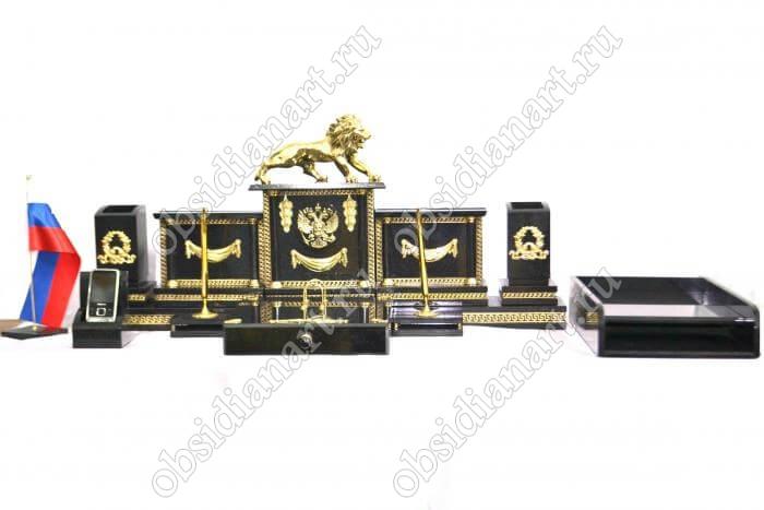 Настольные наборы из долерита «Герб» с бронзовой фигуркой льва
