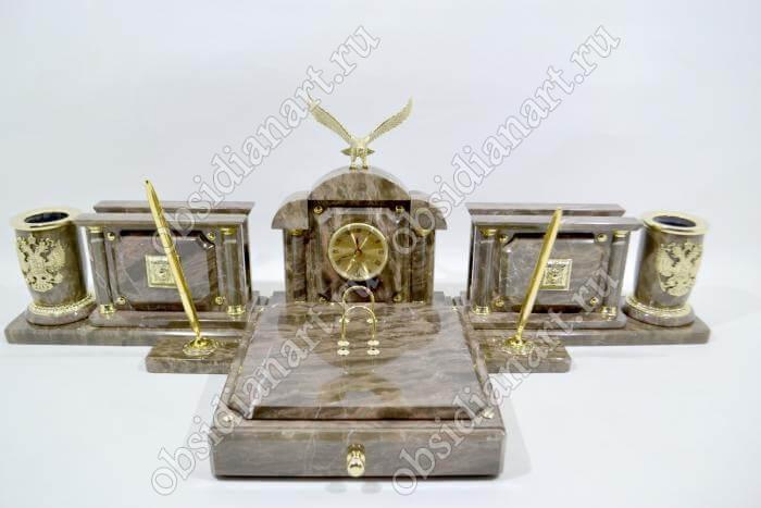 Дорогой настольный набор в подарок из итальянского мрамора «Депутатский»
