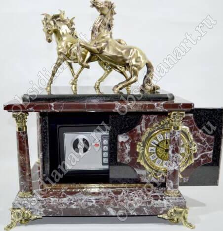 Часы-сейф «Лошадки» из яшмы с бронзовыми статуэтками