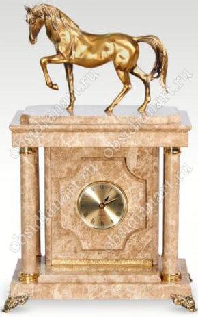 Малые часы-сейф «Конь» из мрамора с бронзовой лошадкой