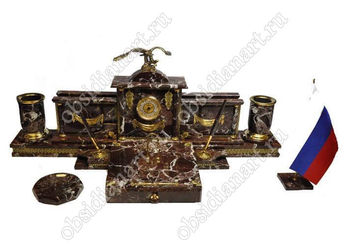 Настольный набор из яшмы для руководителя с бронзовой фигуркой сокола «Красноярск»