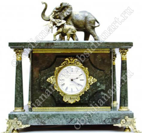 Сейф «Слон и слоненок», встроенный в настольные часы из мрамора