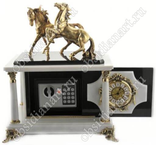 Секретный сейф в часах «Конница», камень мрамор
