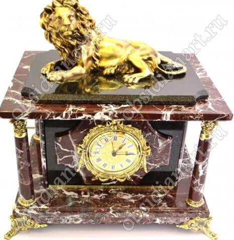 Часы-сейф «Ленинград» из яшмы с бронзовой скульптурой льва