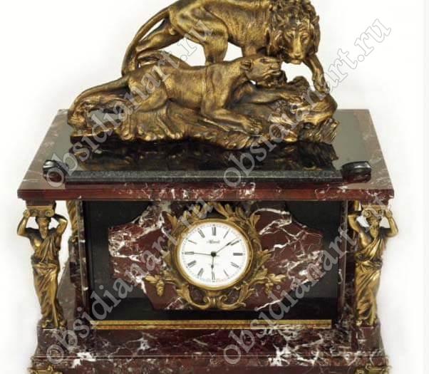 «Лев и львица», Секретный сейф-часы из яшмы со львами и статуэтками из бронзы