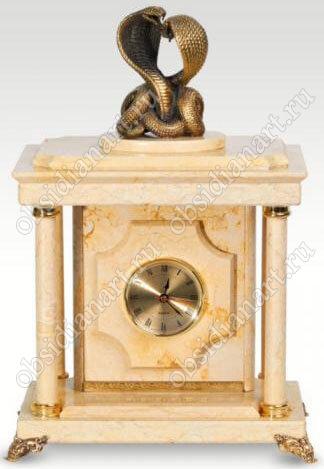 Малые часы-сейф «Танцующие кобры» из мрамора с бронзовыми кобрами