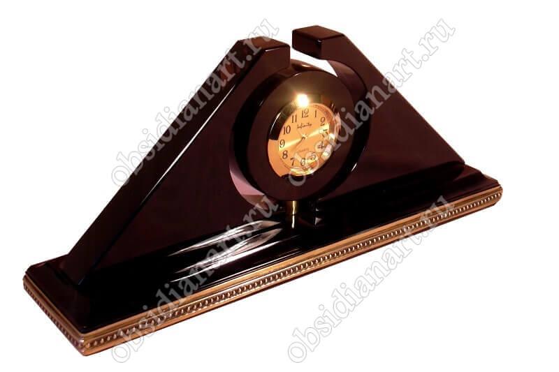 Часы «Сардарапат» с позолоченными деталями из латуни