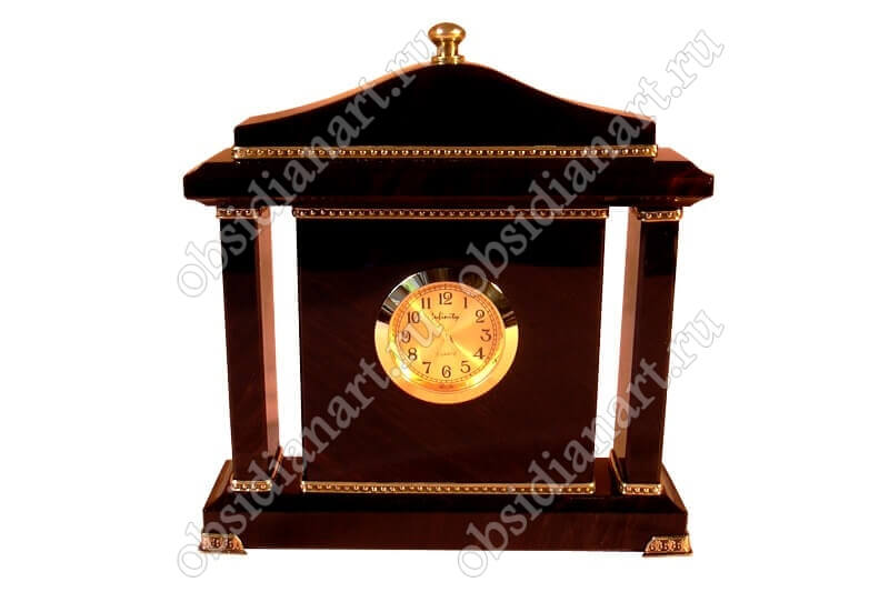 Часы «Каминные» с деталями из латуни