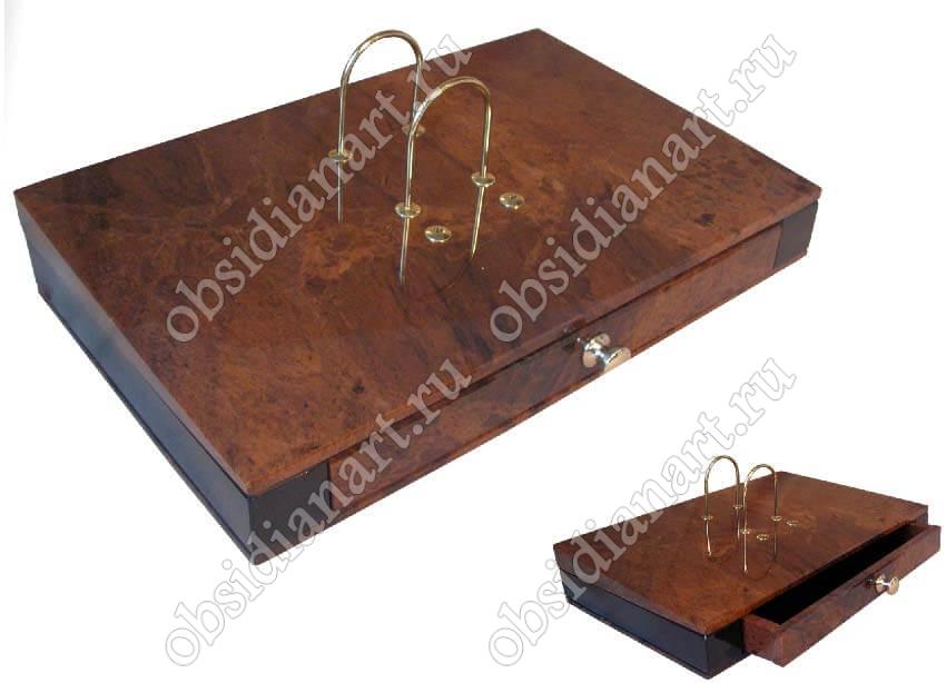 Подставка из камня для календаря на стол руководителя «Комод». Обсидиан