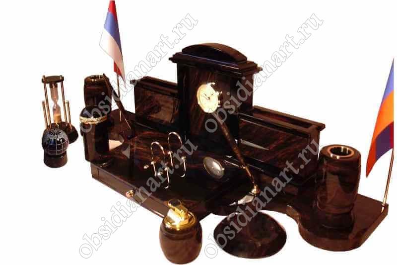 Настольный набор из обсидиана «Королевский» с комплектацией