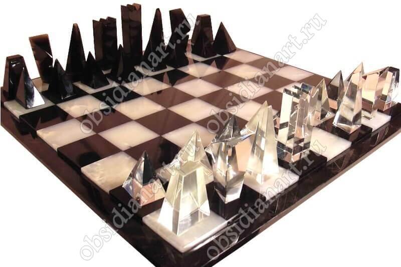 Шахматы «Кристалл» с оригинальными фигурками