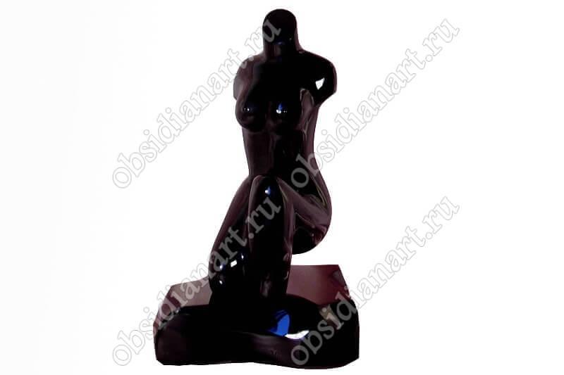 Скульптура «Леди Агрессивная»