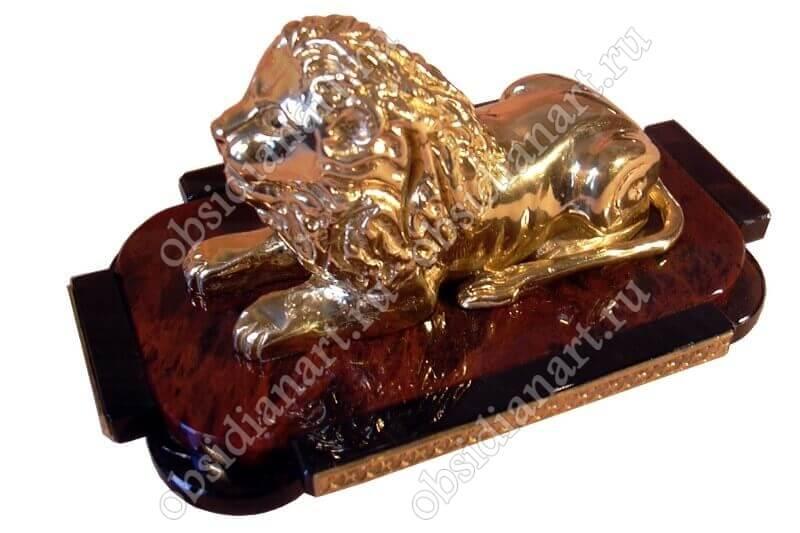 Бронзовый лев с подставкой