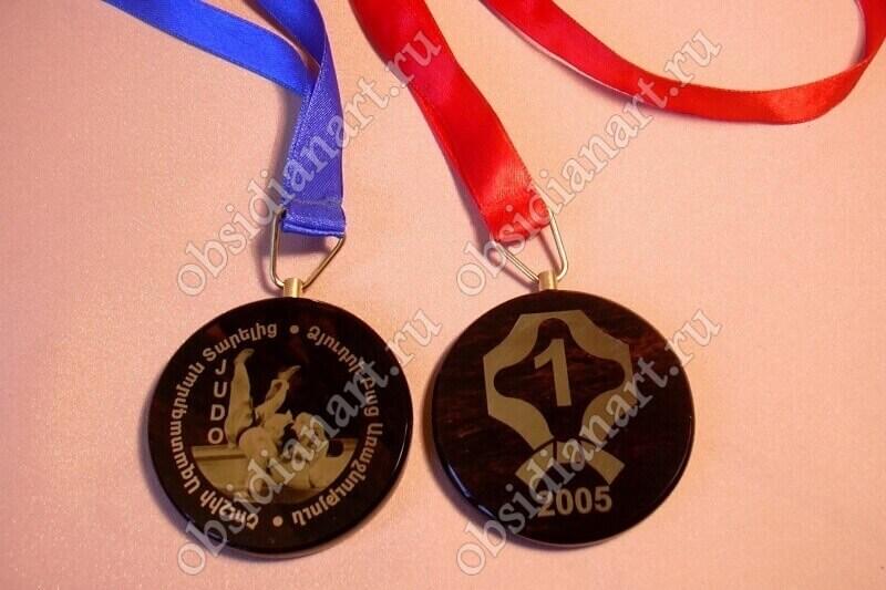 Медали на заказ из натурального камня