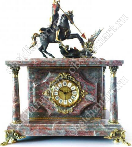 Встроенный сейф «Георгий Победоносец 3» из серо-розового мрамора
