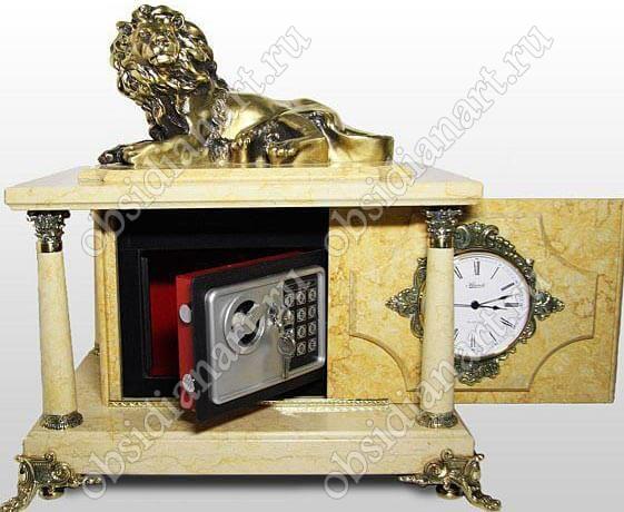 Настольный сейф «Лев» из мрамора с фигуркой льва из бронзы