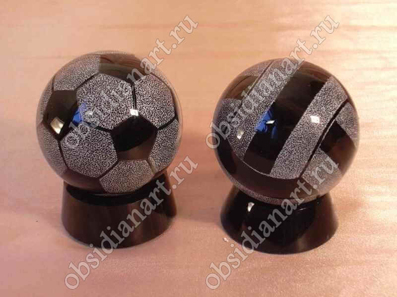 Сувенир «Мячик» из натурального камня обсидиан