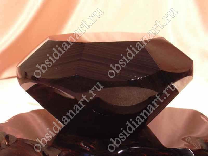 Сувенир «Бриллиант» из полудрагоценного камня обсидиан