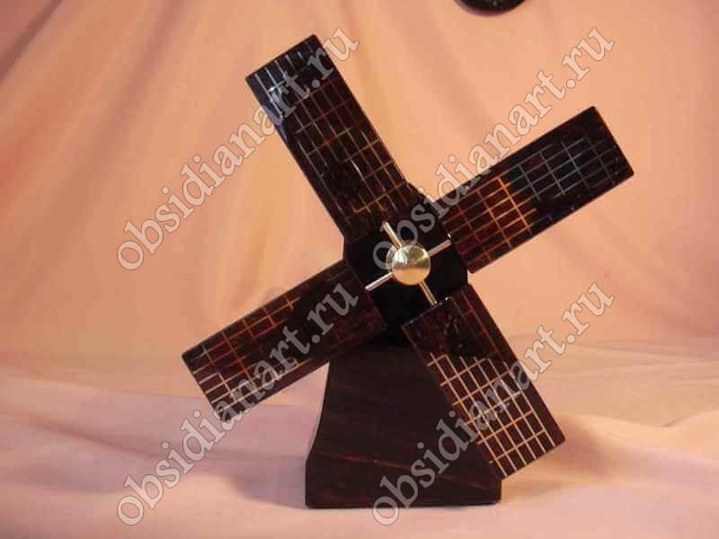 Сувенир «Ветряная мельница» из обсидиана и бронзы
