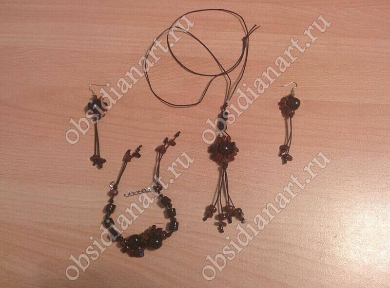 Комплект (колье, серьги и браслет) из обсидиана