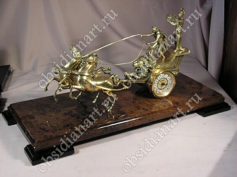 Настольные часы «Карета» из бронзы и обсидиана