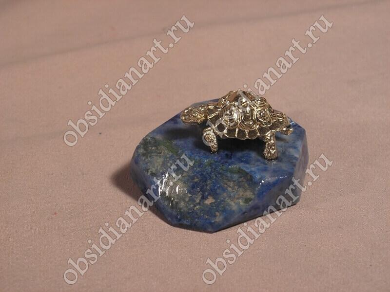 Скульптура «Черепаха» из бронзы и обсидиана