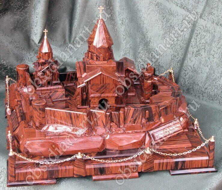 Макет Татевского монастыря из натурального камня