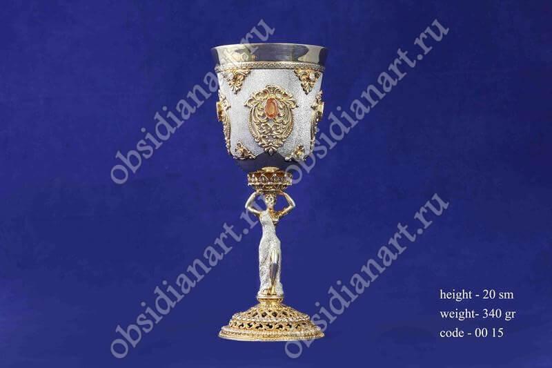 Позолоченный серебряный бокал с ножкой в форме девушки арт.fj-0015