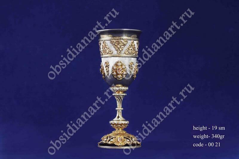 Серебряный бокал с золотыми узорами арт.fj-0021