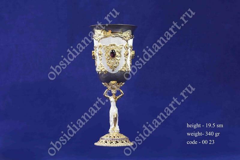 Уникальный серебряный бокал с позолотой арт.fj-0023