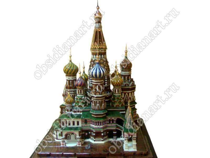 Макет храма Василия Блаженного из полудрагоценных камней и золота высотой 1м